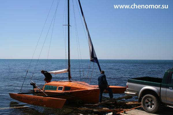 The new Dudley Dix Threefold 6 Trimaran in Russia