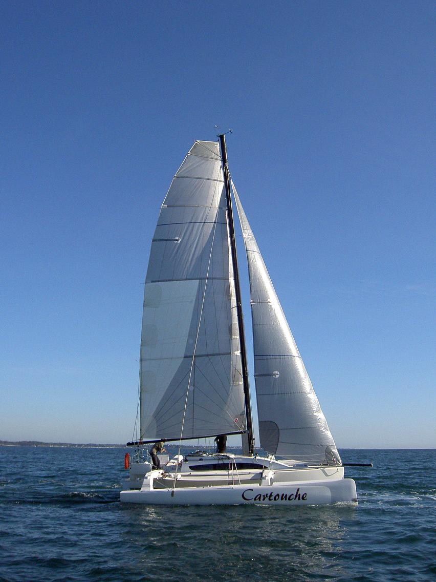 Trimaran segeln  The Bandit 800 Trimaran (from France) | Small Trimarans