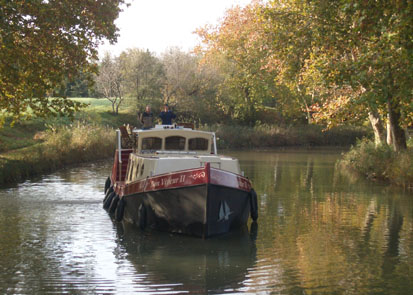 small trailerable houseboats manufacturers catalina