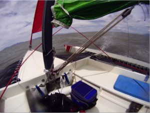 crosswins-trimaran-in-30-mph-gusts-2